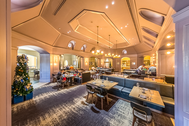 Review Ale Comp Restaurant At Disney S Yacht Club Resort